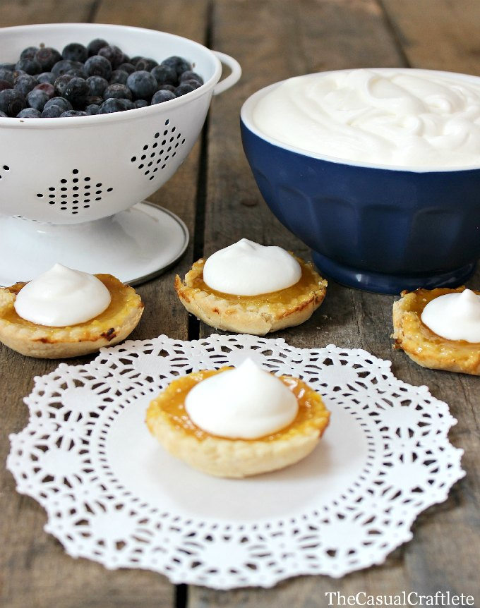 Mini-Lemon-Tarts-with-fresh-blueberries-and-whipped-cream-2