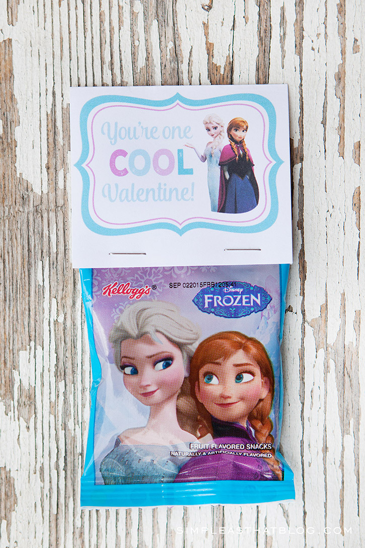 Free printable Disney Frozen valentines - attach to a package of fruit snacks for cute and inexpensive valentines.
