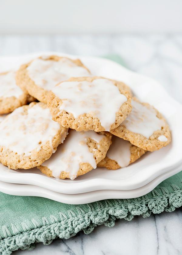 iced-oatmeal-cookies_10