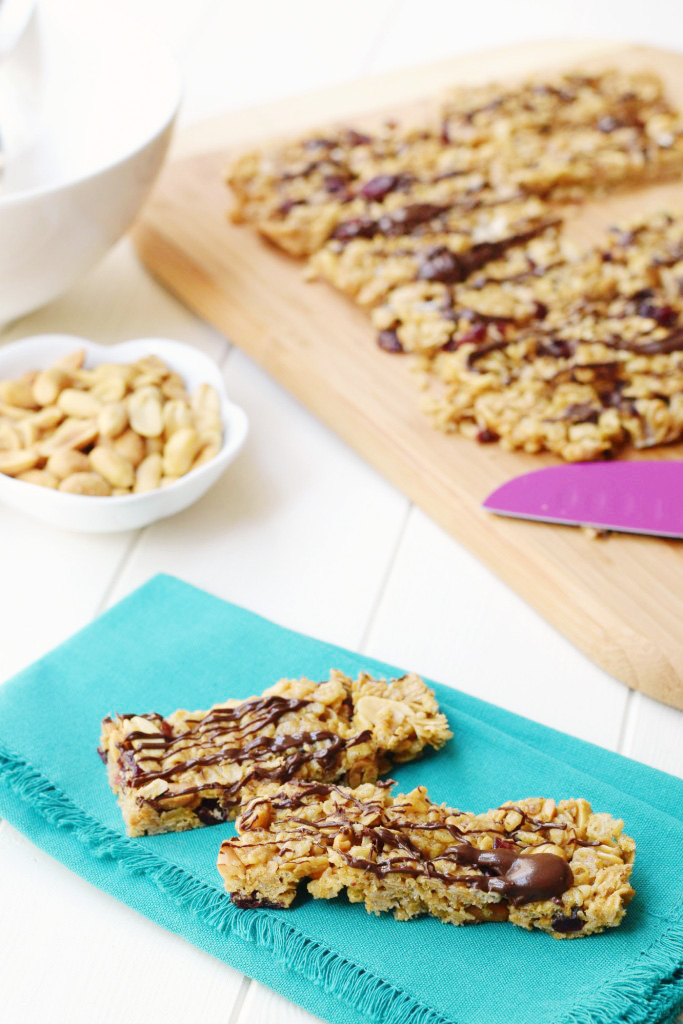 These Healthy Peanut Butter Snack Bars are gluten free and make a perfect high protein snack or breakfast!