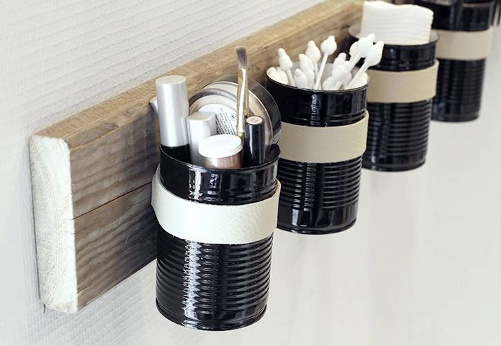 simpleasthatblog_recycled_DIY_tin_can_wall_organizer_08