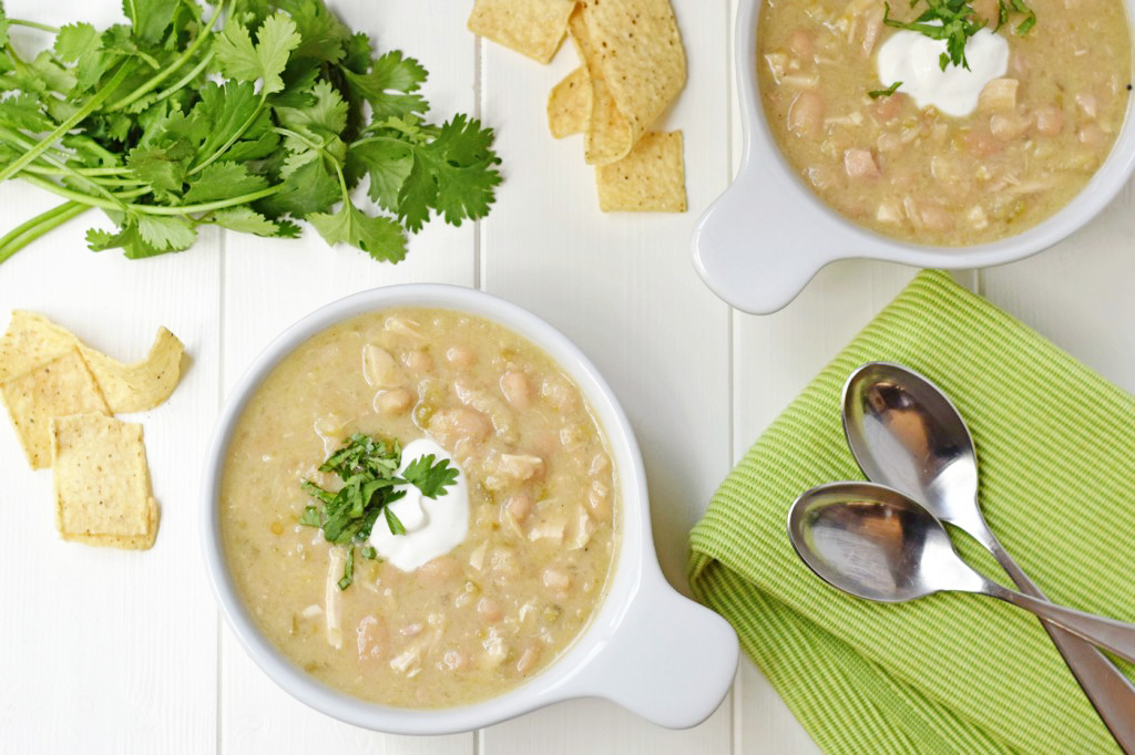 White Chicken Chili is the perfect fall dinner recipe! Creamy, hearty ...