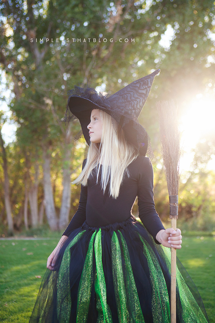 DIY no-sew Wicked Witch of the West Halloween costume.