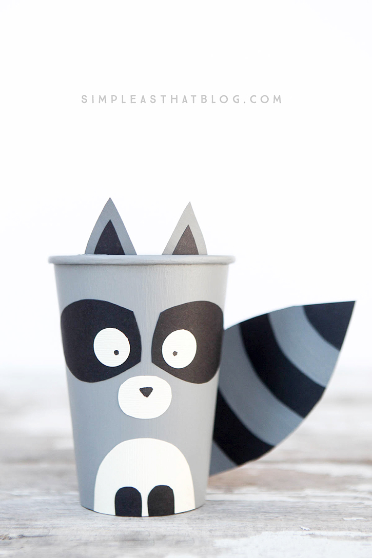 Aren't these forest critters the cutest? Fill them up with goodies and use as party favors, classroom treats, or decorations for your Thanksgiving table.
