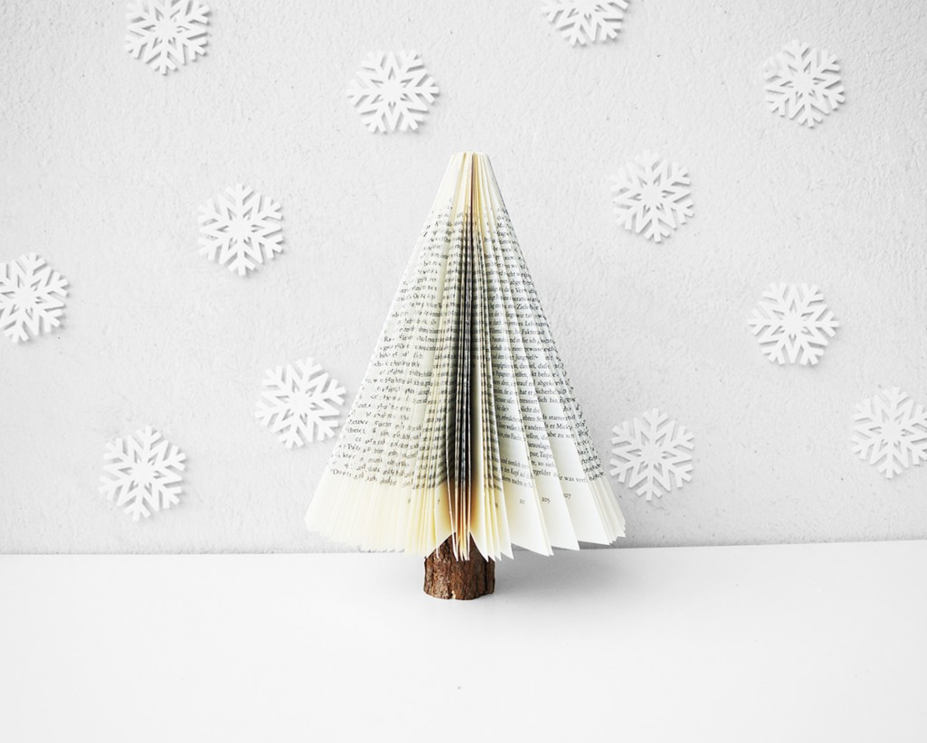 Book Craft Christmas Tree
