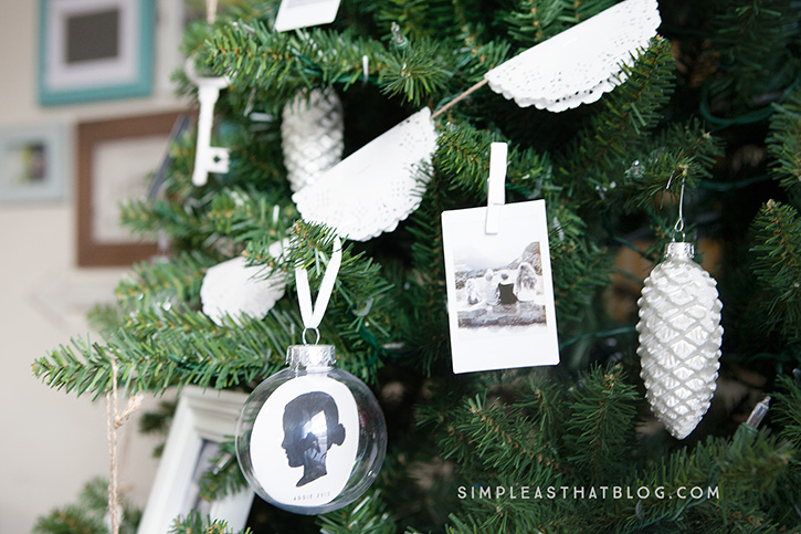 This season of the year is all about the memories. Trim the Christmas tree with Instax photos to celebrate the moments that matter the most.