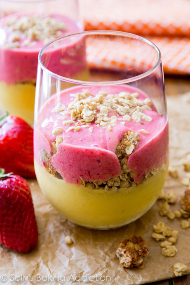 Strawberry Mango Breakfast Smoothies