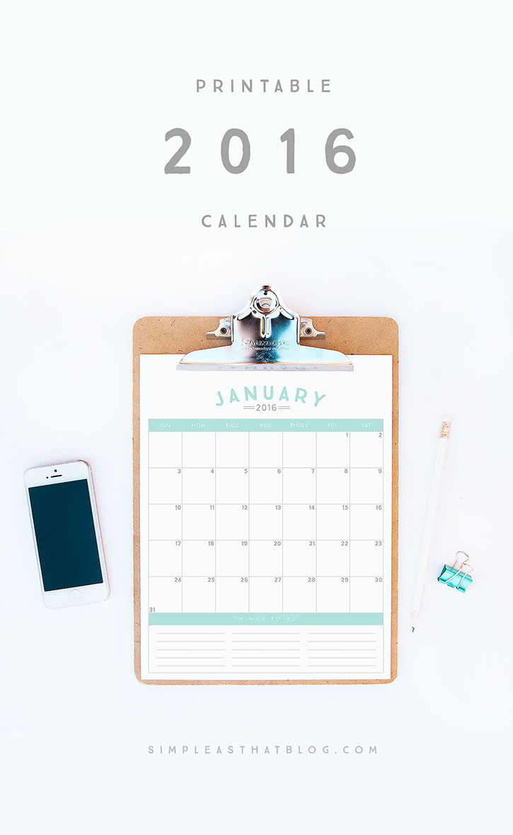 Start the new year off on the right foot and get organized with this free printable 2016 calendar!
