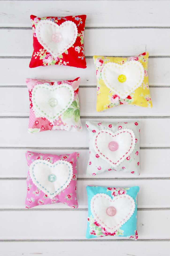 These sweet Heart Lavender Sachets make such fun gifts and they are so simple to sew up that you can make up a bunch at a time!