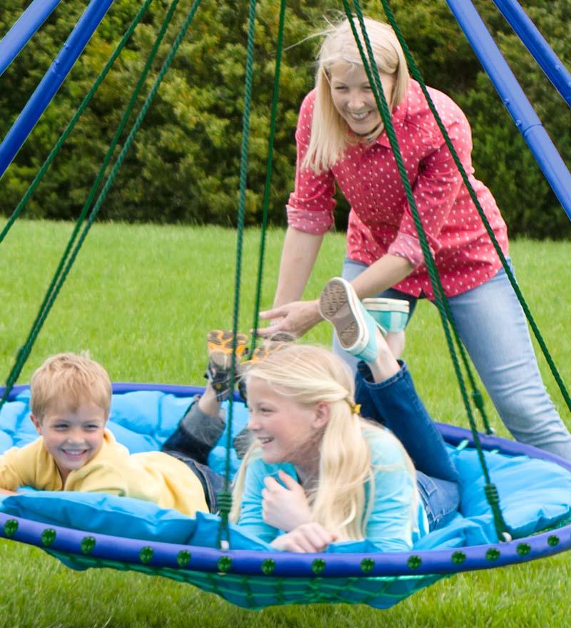 25 ideas for backyard fun for Pool platform ideas