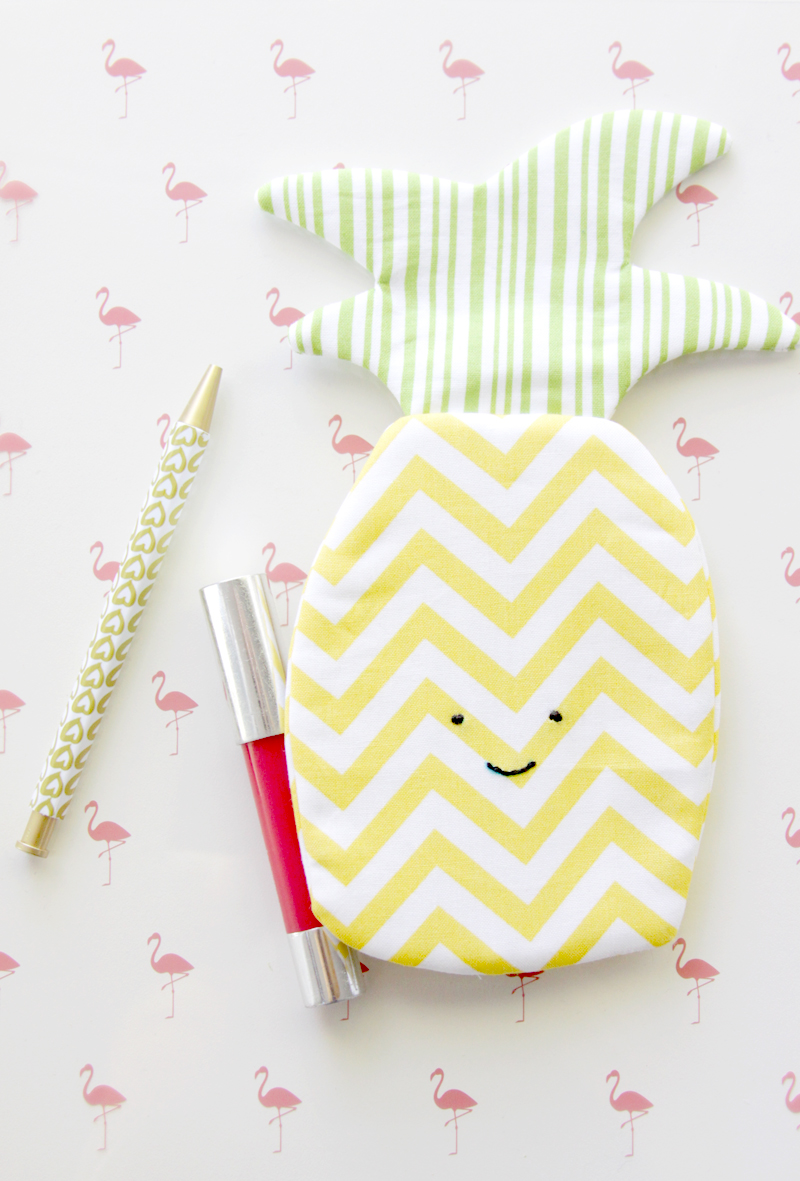 Cute Summer Pineapple Zipper Pouch