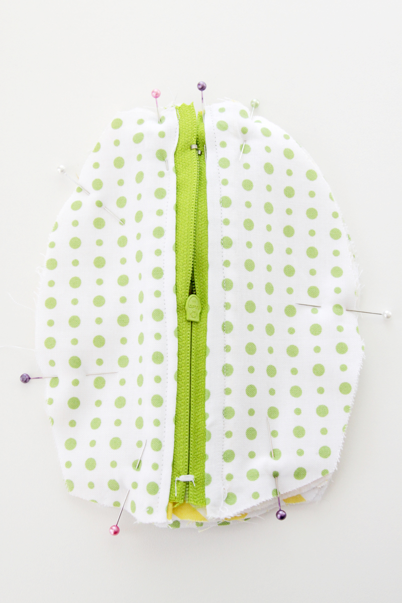 Sewing Zipper Pouch sides