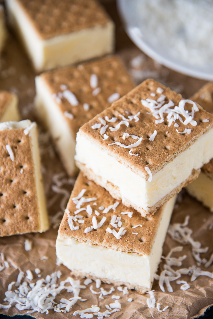 frozen-coconut-pudding-graham-sandwich-8