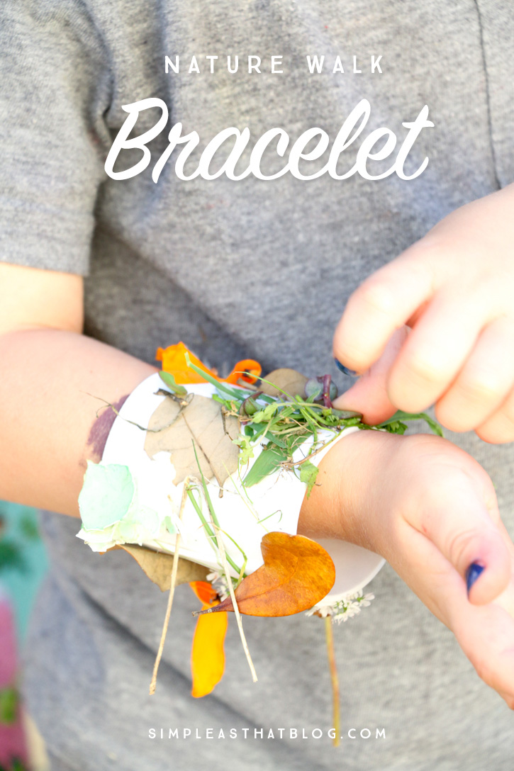These nature walk kids collage bracelets are the perfect way to keep the kids occupied, awaken their creative side, and just get them appreciating the little things all around them in nature.