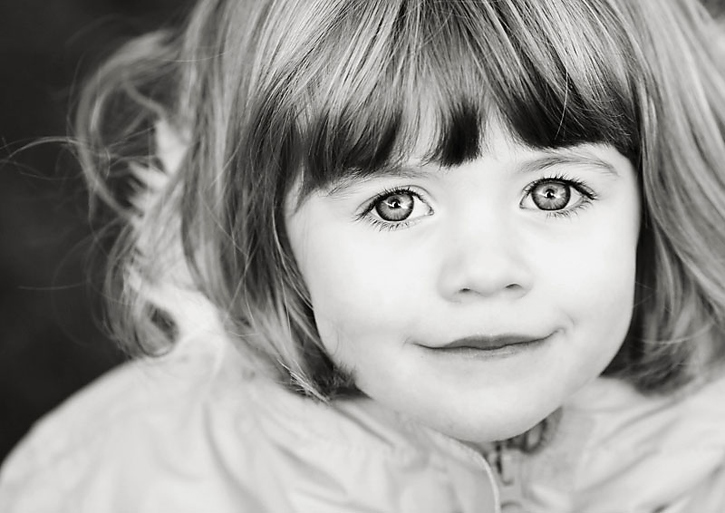 Find out the simple secret to getting eyes that pop and sparkle in your portraits!