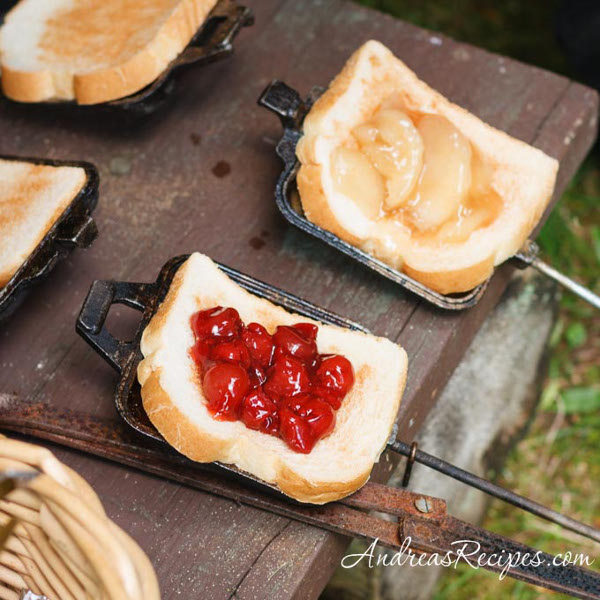 Two Easy Camping Recipes: 25 Simple And Delicious Camping Recipes