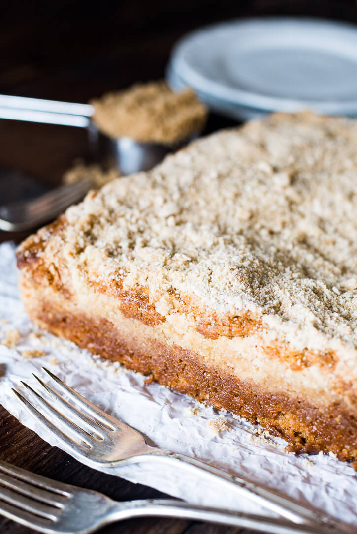 brown-sugar-vanilla-crumb-cake