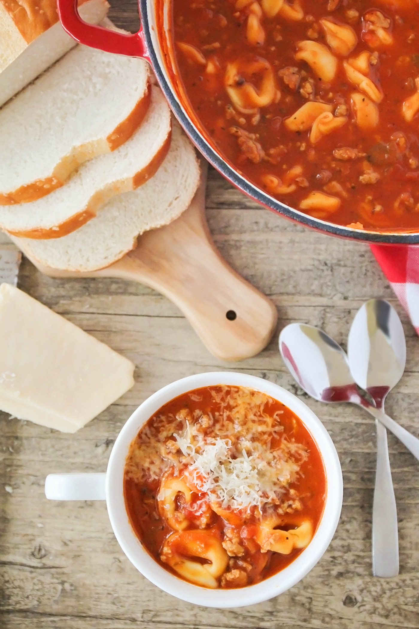 Short on time and need a hearty meal on the table? This Quick and Easy Tomato Tortellini Soup is your go-to for dinner!