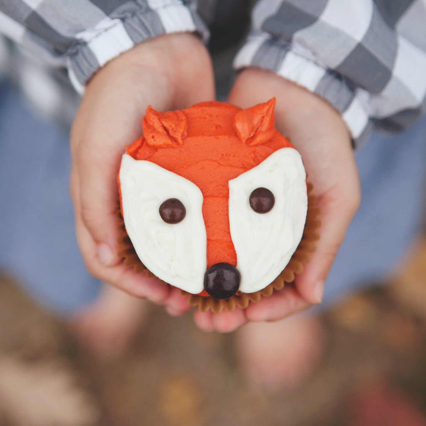 The cutest little fox cupcakes, decorated in 5 minutes or less!