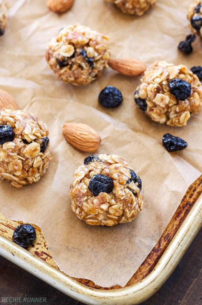 blueberry-almond-energy-bites