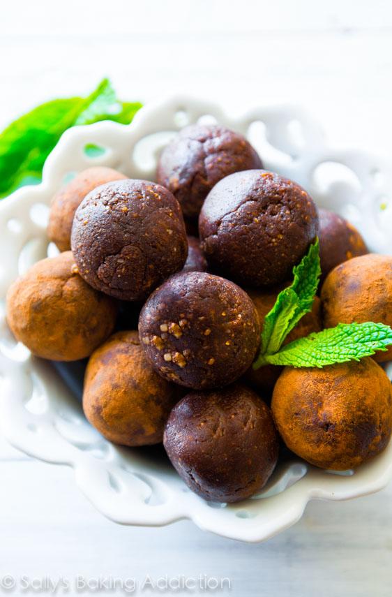 mint-chocolate-energy-bites-2