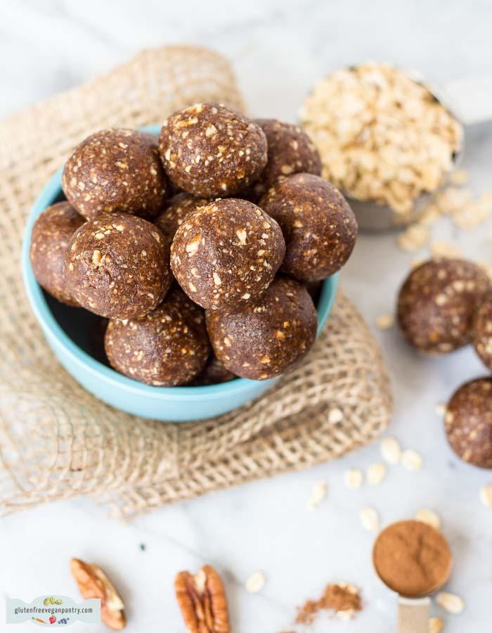 pecan-pie-energy-balls-vegan-gluten-free-6