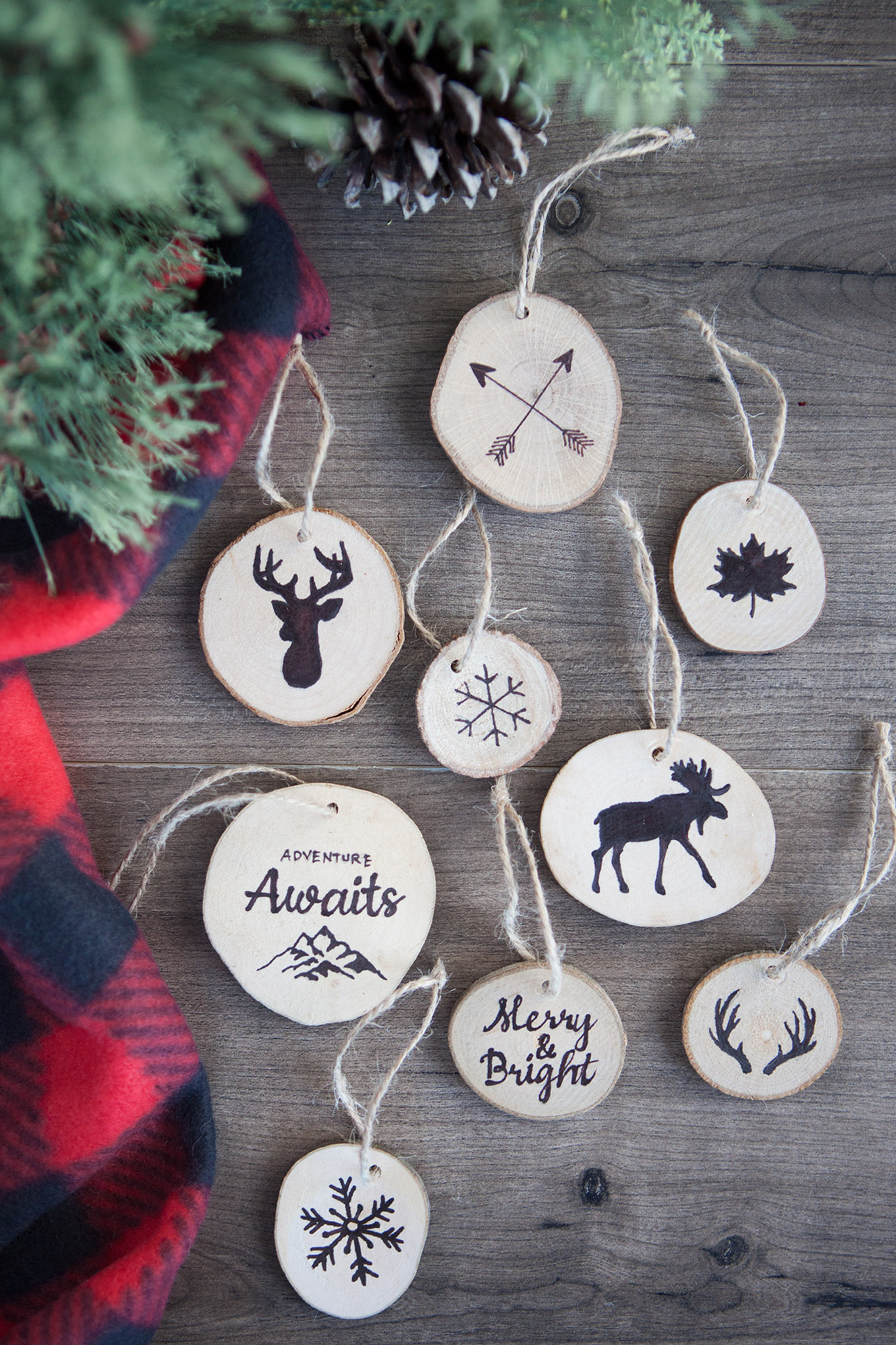 Create faux wood burned Christmas tree ornaments without any special tools. Complete how-to instructions including printable templates to make these easy, nature-inspired keepsakes.