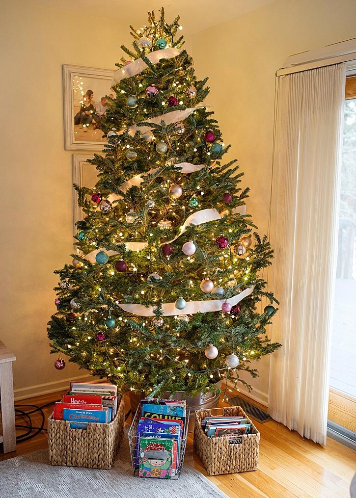 Christmas Books.My Favorite Christmas Books