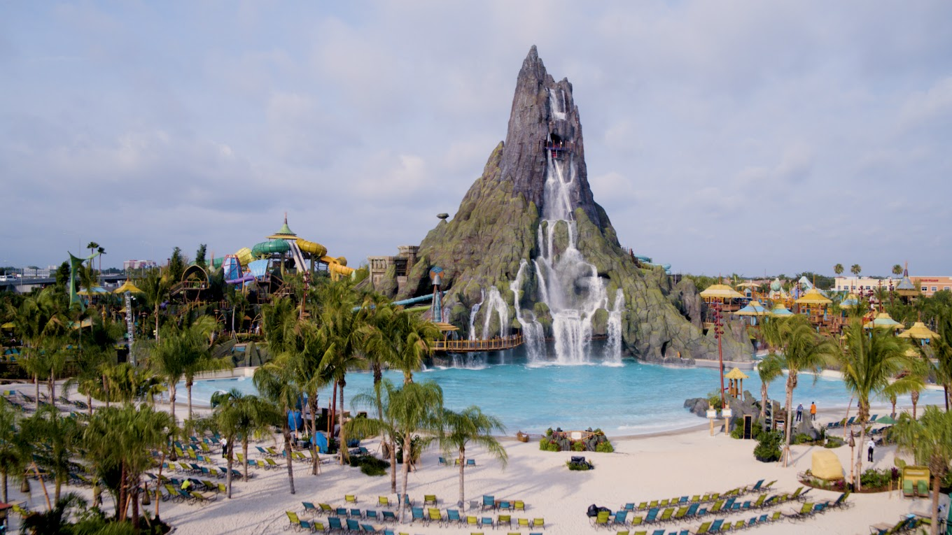 Enjoy 13 insider tips for planning your Universal's Volcano Bay water theme park trip, including what to know before you go about TapuTapu wearables