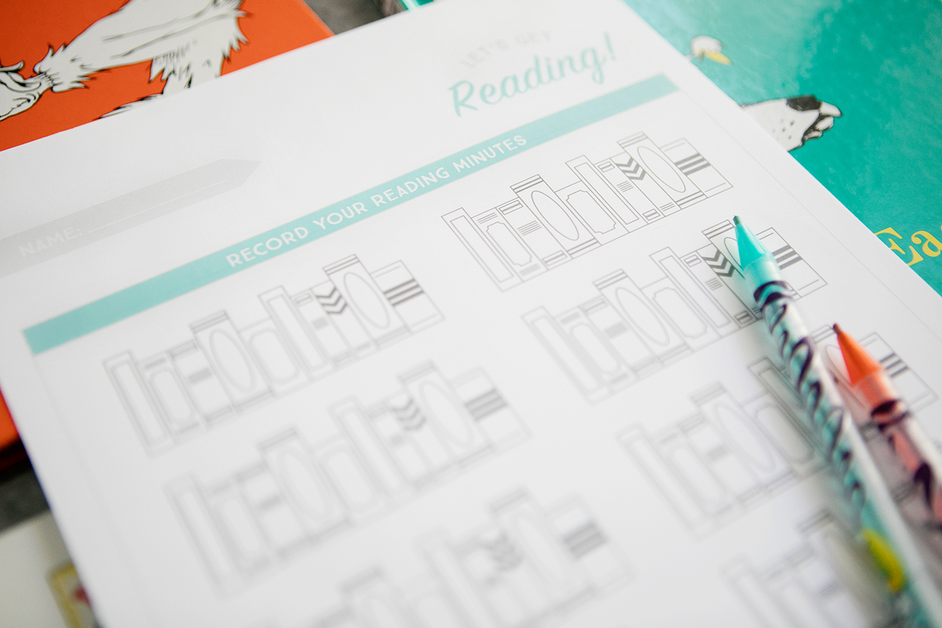 Mom's Summer Reading Challenge is a fun way to get your kids excited about reading all the books this summer! Use our printable reading log and the ideas in this post to encourage your kids to meet their reading goals.