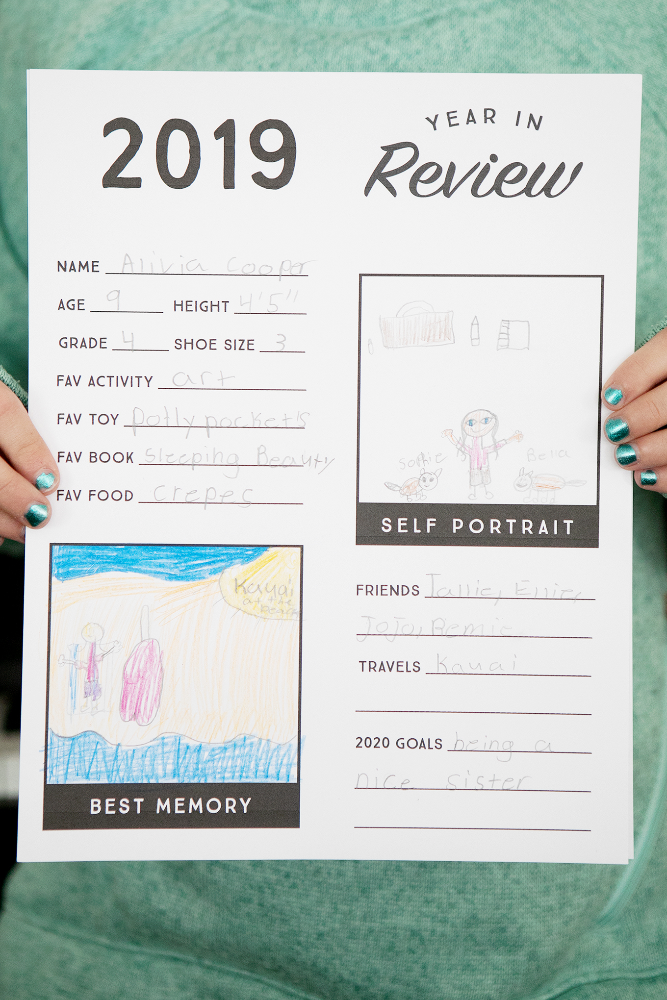 Year in Review Printable for Kids – this free printable year in review sheet gives children a chance to reflect on their favorite memories from the past 12 months and look ahead to new goals and adventures in the coming year!